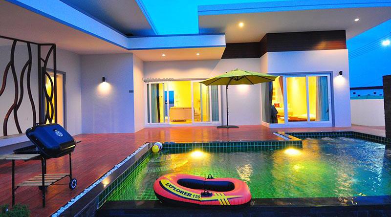 จิราพูลวิลล่า บ้านพักสุดหรูในหัวหิน ซอย 70 มี 3 ห้องนอน 3 ห้องน้ำ มีสระว่ายน้ำส่วนตัว ปิ้งย่างได้ มีคาราโอเกะ