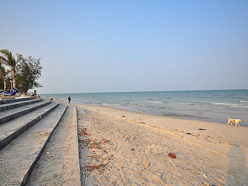 หาดไกลกังวล