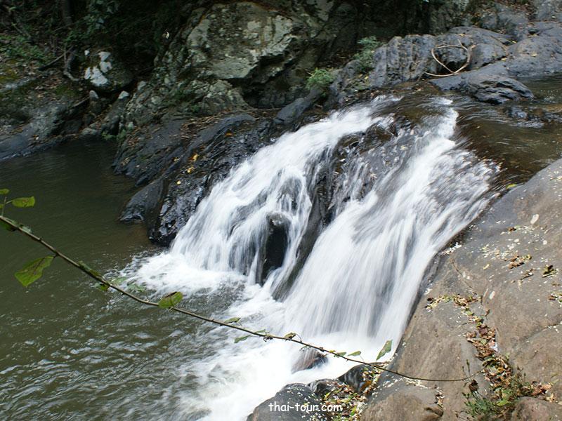 น้ำตกป่าละอู